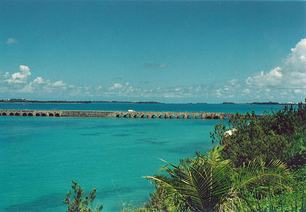 Bermudy, The Causeway