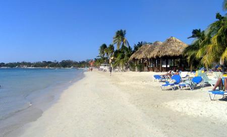 Jamajka, Negril, pláž Sandals
