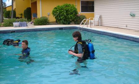 Kajmanské Ostrovy, lekce potápění pro začátečníky