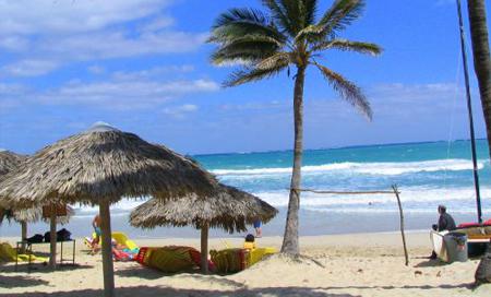 Kuba, hlavní město Havana, pláž