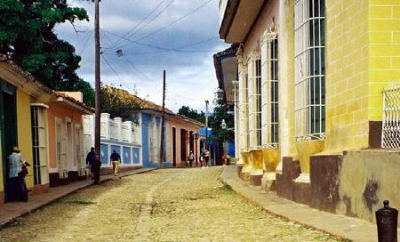 Kuba, typická kubánská ulička