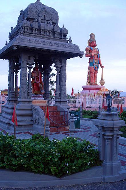 Trinidad a Tobago, Socha Hanuman Murti a chrám Hindu
